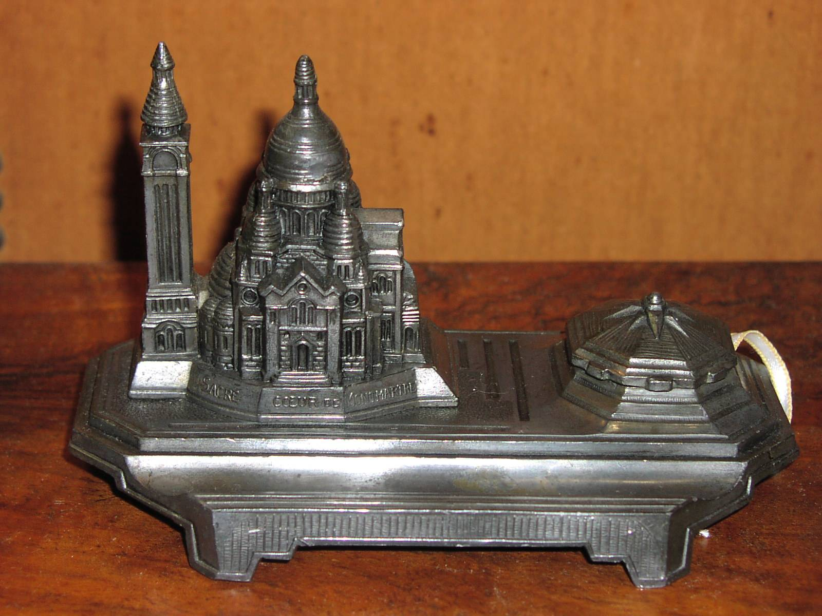 Image for Sacre Coeur Cathedral (Paris) Deskstand